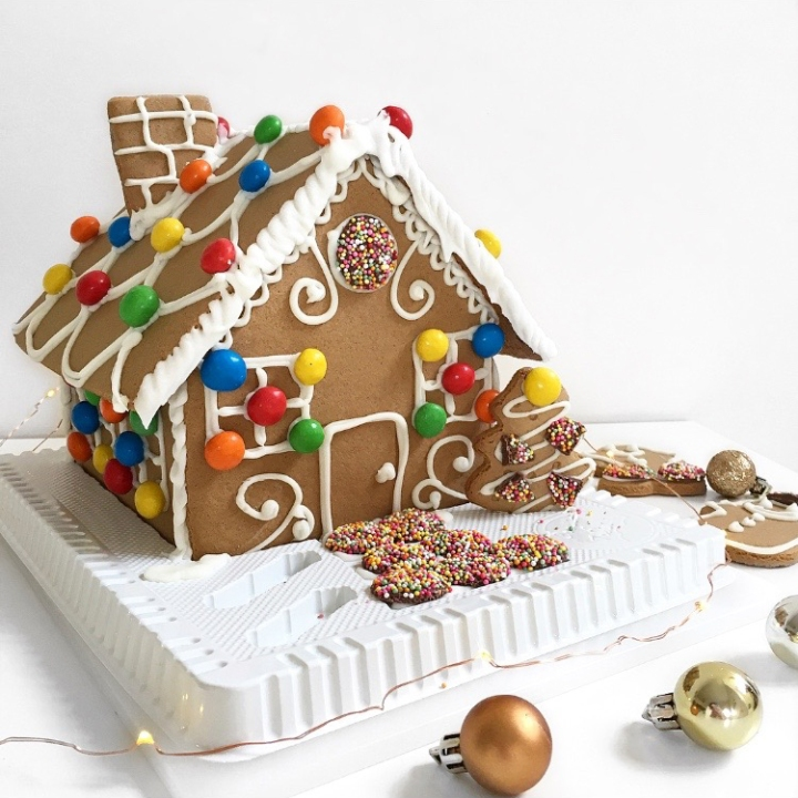 Gingerbread House | Blogmas Day 11