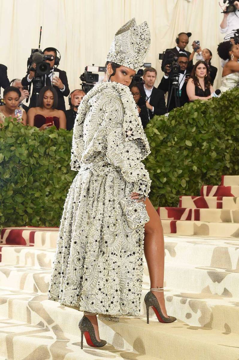 Rihanna wearing Maison Margiela by John Galliano